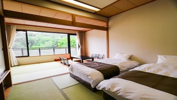 【禁煙】西館和洋室10畳+4.5畳 ツイン(バス・トイレ付)