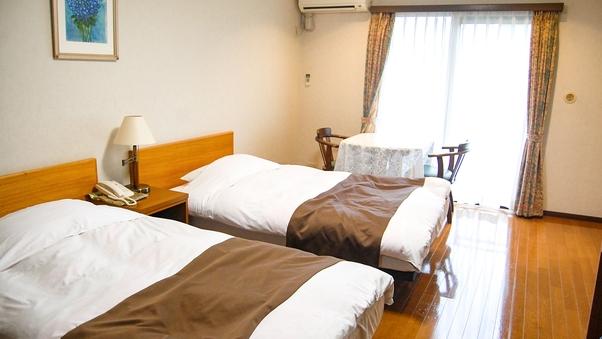 【洋室ツイン】東館洋室ベッド2台(バス・トイレ付)