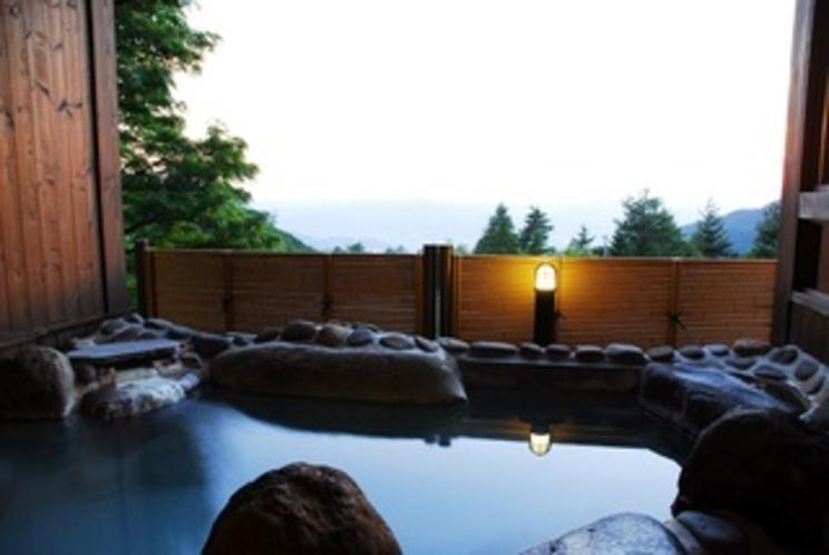 夏・温泉露天の湯