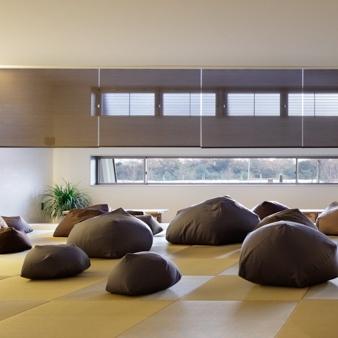 オープンスペースの休憩所