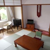 ②琉球和室 8畳+広縁 定員4名様 トイレ付き・禁煙