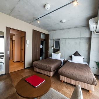 喫煙広々ツインベッドルーム(シングルベッド2台)バストイレ別