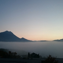 狭霧台から眺める由布院の朝霧