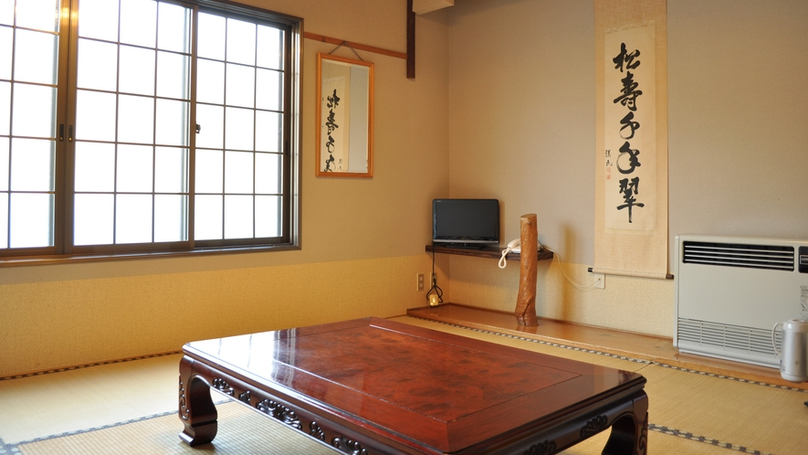 【客室(1-3名用】明るく清潔な客室は気持ちよくお過ごしいただけます。