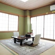 *客室一例/お部屋はすべて、足を伸ばしてゆったりとくつろげる和室タイプ。