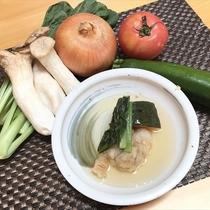 <朝食>揚げドリ、蒸し野菜の餡掛け