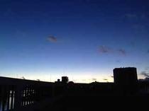 宵闇の迫る頃 ~やどから見える海と空~