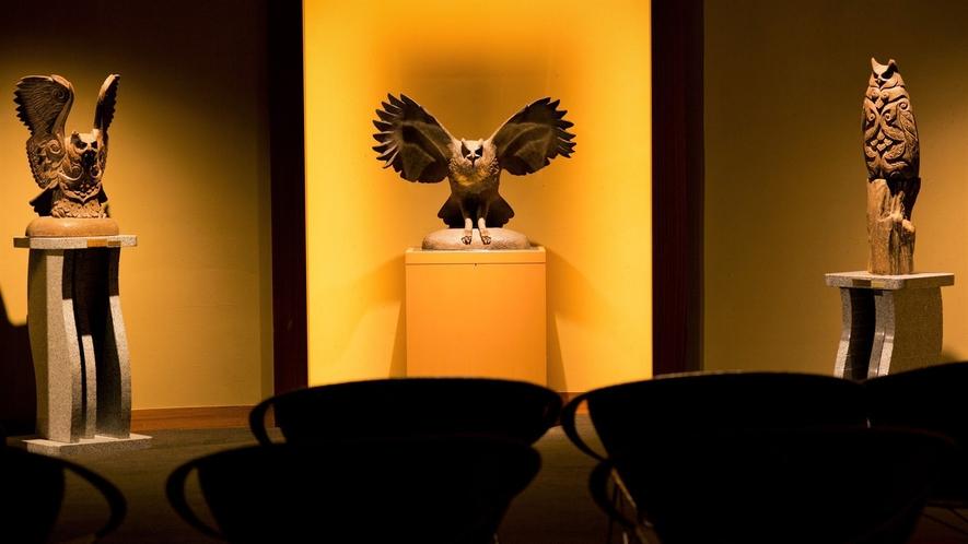 【ギャラリー「ニタイ」】アイヌ彫刻に魅せられた彫刻家、滝口政満氏の木彫作品を一堂に集めたギャラリー