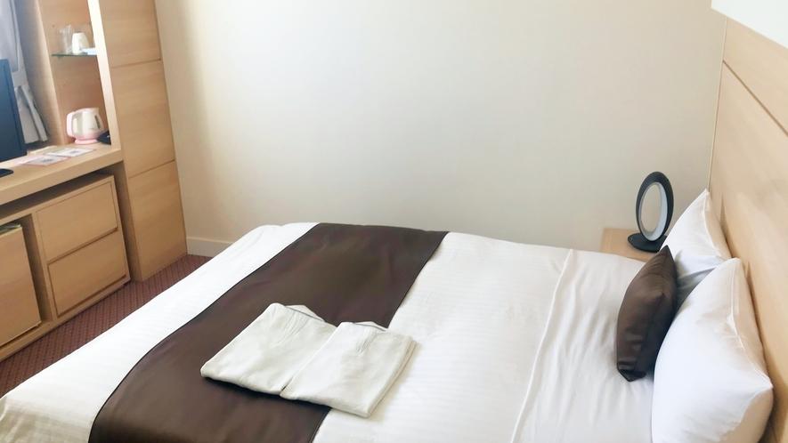 【全室20平米以上でゆったり♪】ダブルルーム(140cm幅ワイドベッド)