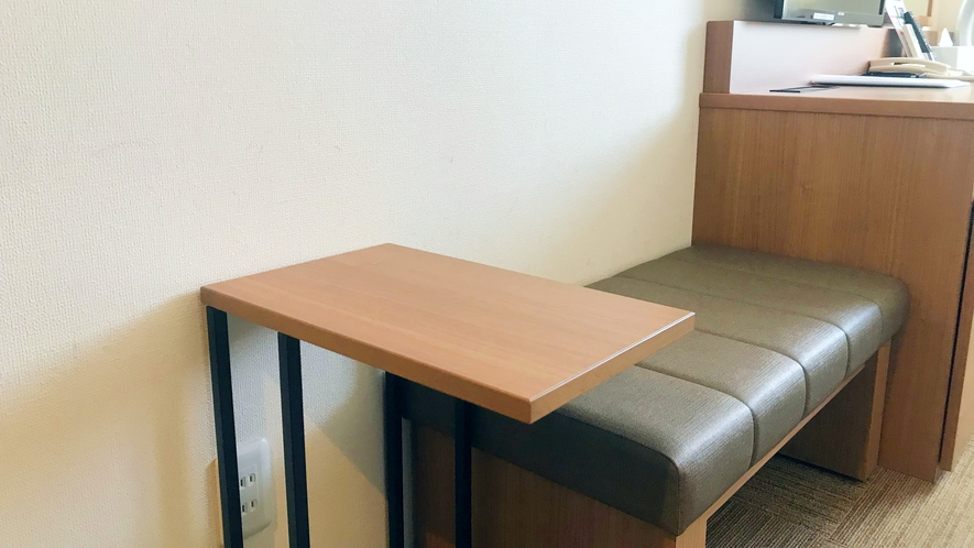 【全室20平米以上でゆったり♪】サイドテーブル、スツール