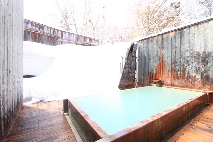 冬の露天風呂(男湯)