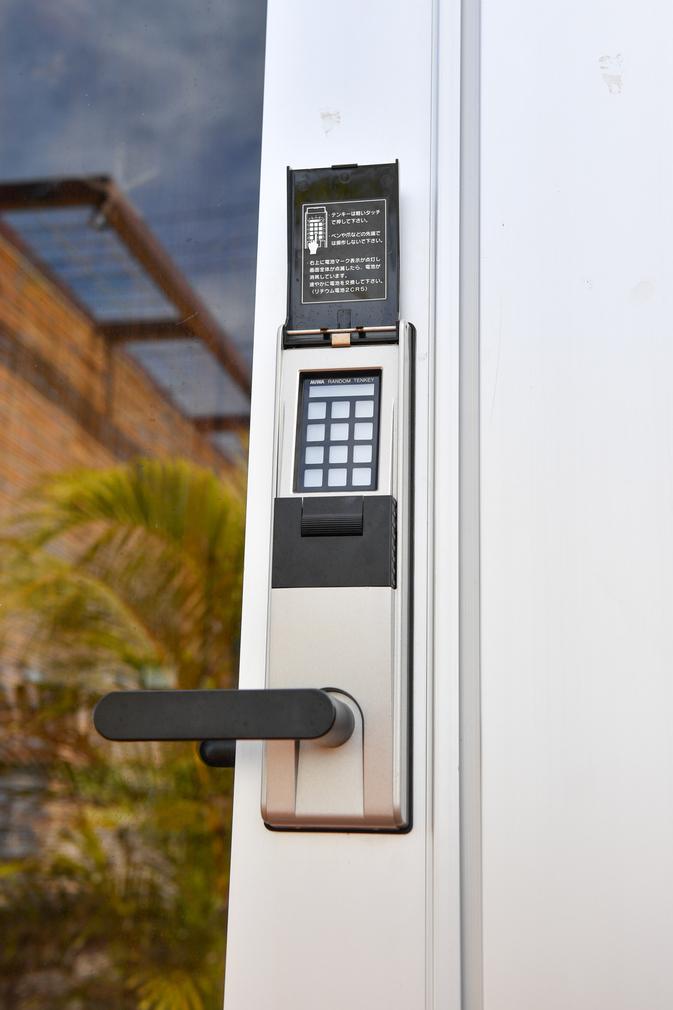 玄関ドア タッチパネル・オートロック