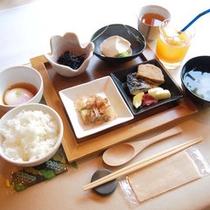 <朝食一例>目覚めのからだにやさしい和朝食をご用意します。