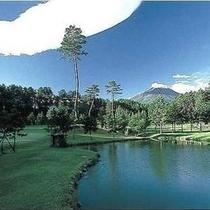 【ゴルフコース】自然を生かして設計されたショートコース♪
