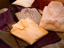 全室/室内着には浴衣、作務衣、バスローブ、パジャマを取り揃えております