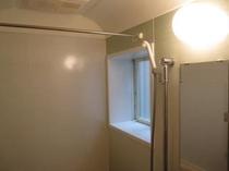 1F 浴室・シャワー