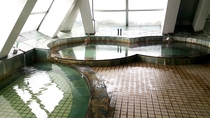 *【大浴場】センターハウスにある専用浴場(冬場のみの営業)c