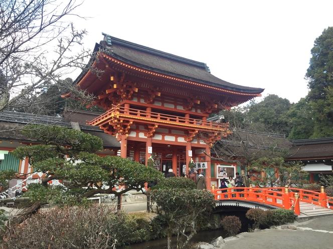 世界遺産 下鴨神社(賀茂御祖神社)。バス停〜約10分。紀元前より祀られていたという記録もある。