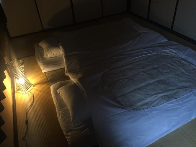 遊び心あるアジアンルーム(2F)。静かな、広い部屋で安眠です。