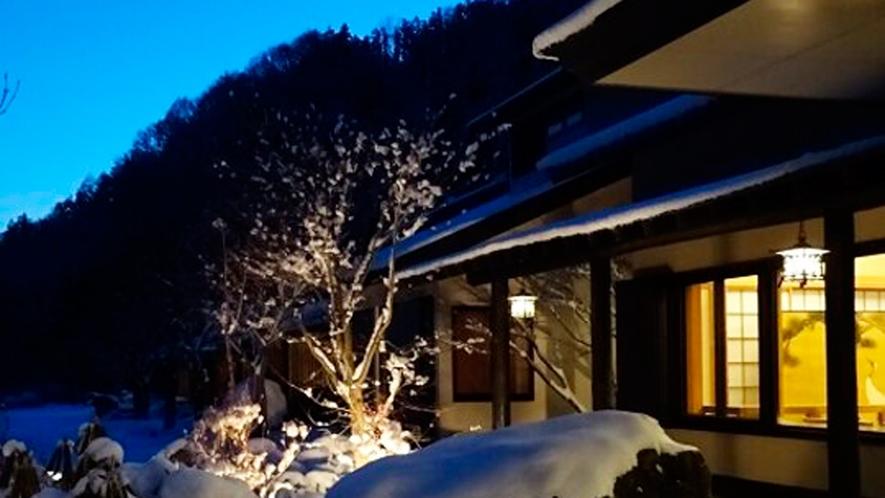 *外観[冬]/真っ白な雪景色が美しい静かな冬
