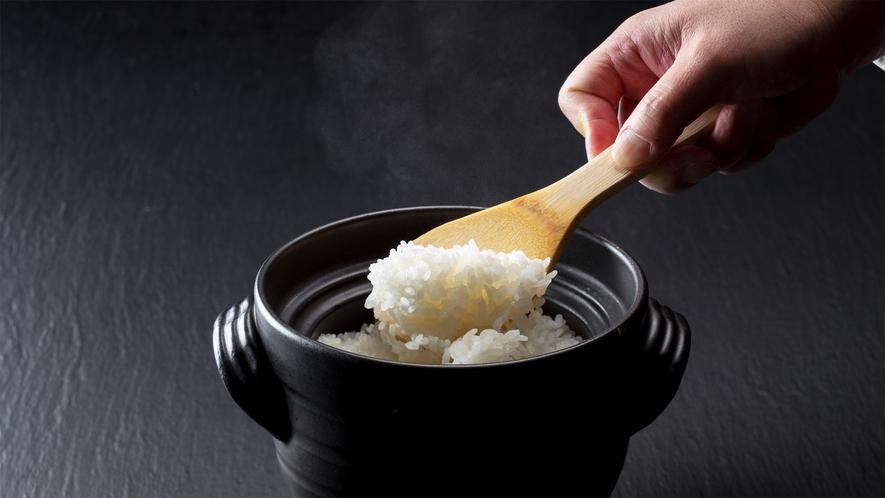 *朝食一例/地元産のコシヒカリのご飯
