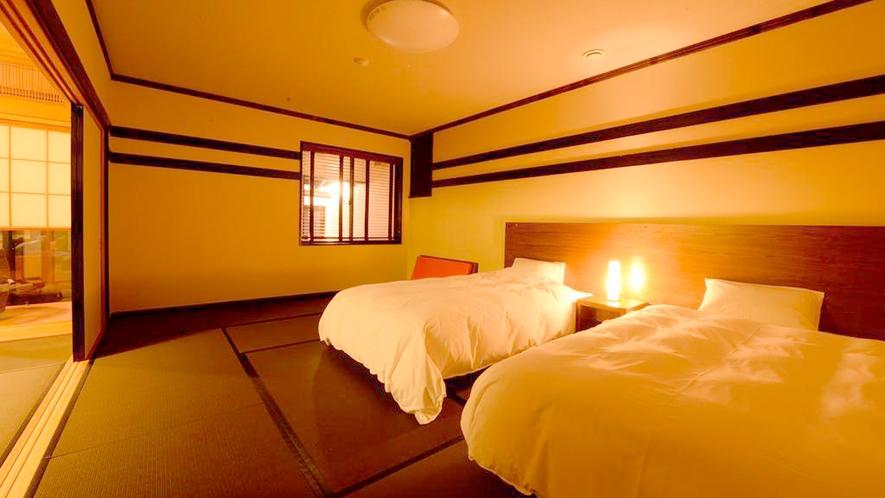 *和室二間/やわらかな明かりに包まれる夜の寝室