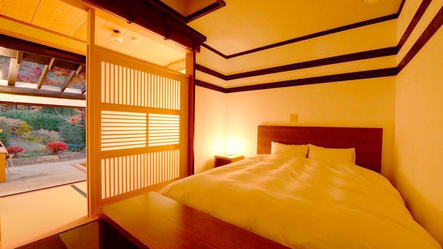*和室6畳/やわらかな明かりに包まれる夜のお部屋