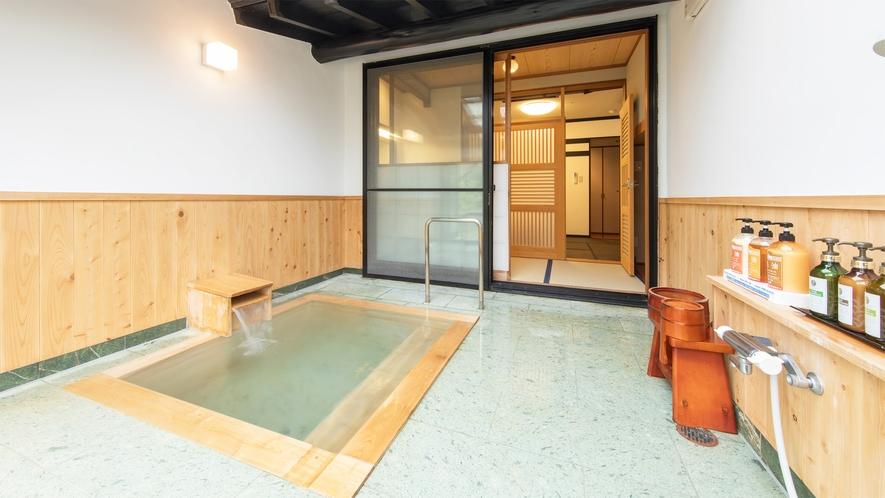 *和室6畳/客室専用の半露天風呂で景色と温泉を堪能