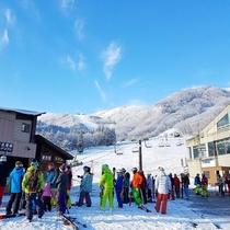 白馬八方スキー場 咲花リフトへは歩いて1分。