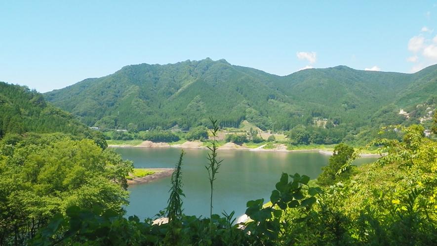 *【周辺】草木湖/周辺には遊歩道も整備されています。