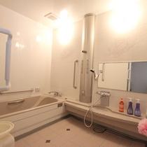 *4F「ミストサウナ」(個室)/☆宿泊者無料!ドライサウナより、体の負担が軽い、ミストサウナ。
