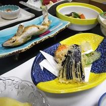 *【夕食一例】旬の季節の食材をふんだんに使用しています。