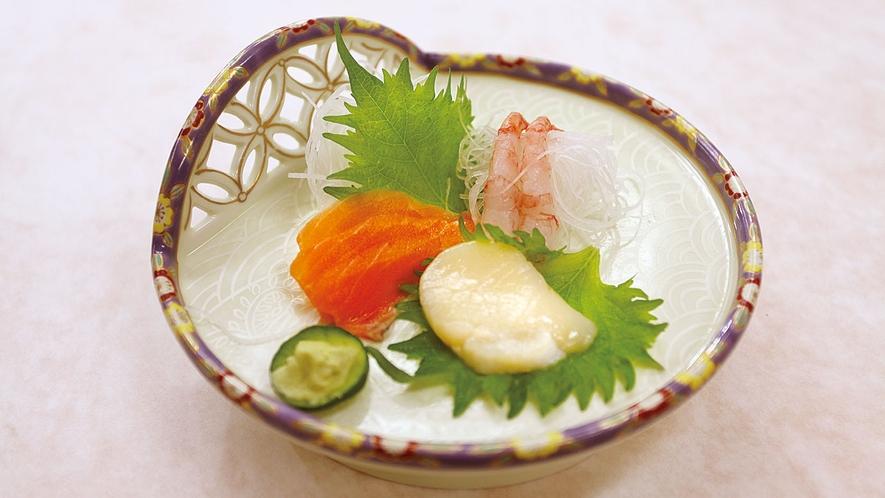 *【夕食一例】お刺身の盛り合わせ。