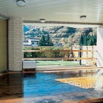 *【温泉】露天風呂からは、駒ケ岳を望むことができます。(露天は1つのため、19時の交代制となります)