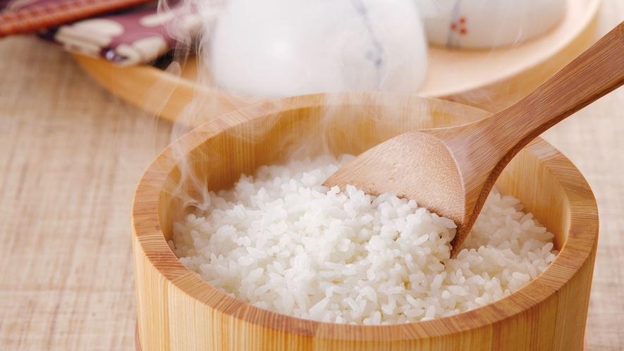 *【朝食一例】魚沼産のコシヒカリ★炊き立てのごはんで1日をスタート。