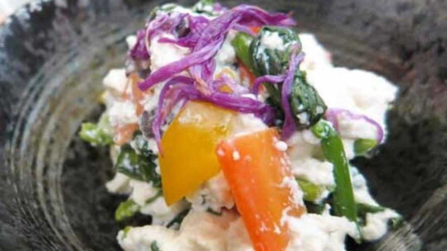 *【夕食一例】やさしい食感の豆腐料理です。