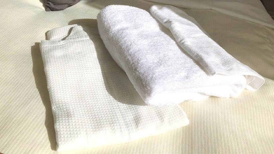 【アメニティ】タオル類やパジャマはお部屋にご用意しております。