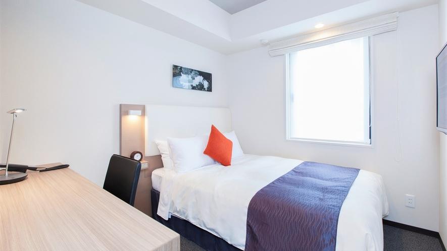 【コージーダブル】15平米・ベッド幅140cm/洗濯乾燥機、電子レンジ完備