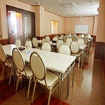 【パーティルーム】会議室としてもご利用いただけます。2160円/1時間