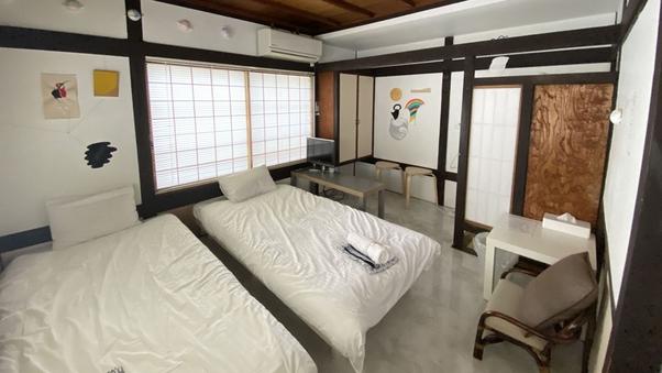 【かえで】1〜2名用洋室(客室外専用シャワー・洗面トイレ)