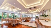 *レストラン/亜熱帯の雰囲気が漂うガーデンビュー