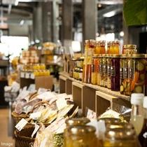 ■Butti Bakery/地元生産者とのコラボ商品や瀬戸内の恵みをいかした食品などが勢揃い