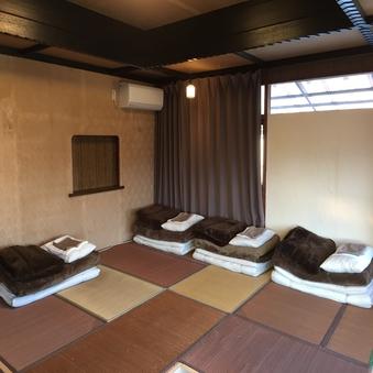 庭の見える2階個室 3〜4名様用個室