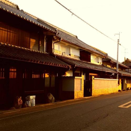 早島は古い建物が多く残っていて、とても趣があります。
