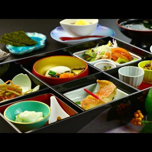 【朝食】心温まるほっこり和朝食 (3)