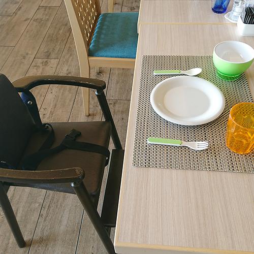 【SURIYUN】小さなお子様連れも安心してお使いいただけるお皿やコップもご用意しております。