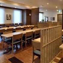 1階レストラン。朝食「花茶屋」