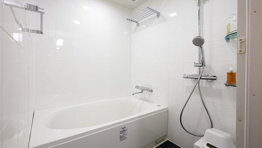 かけ流しのできる浴槽/デラックスダブル・ツインルーム