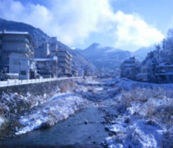 横湯川 冬景色