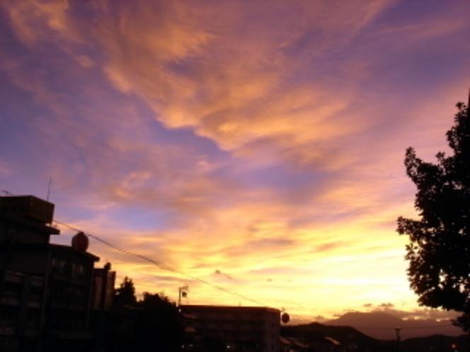 夕陽〜玄関前から撮影
